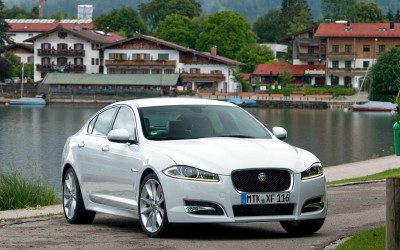 14. JAGUAR XF Berlina